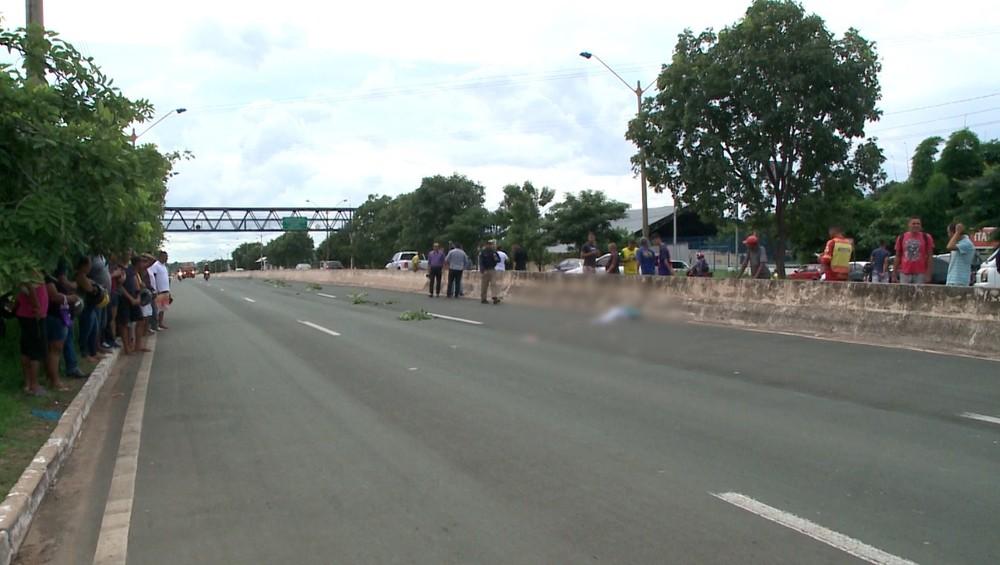 Homem morre atropelado por caminhão na BR 316