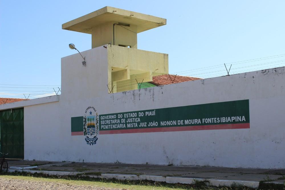 Homem foi levado para a Penitenciária Mista de Parnaíba