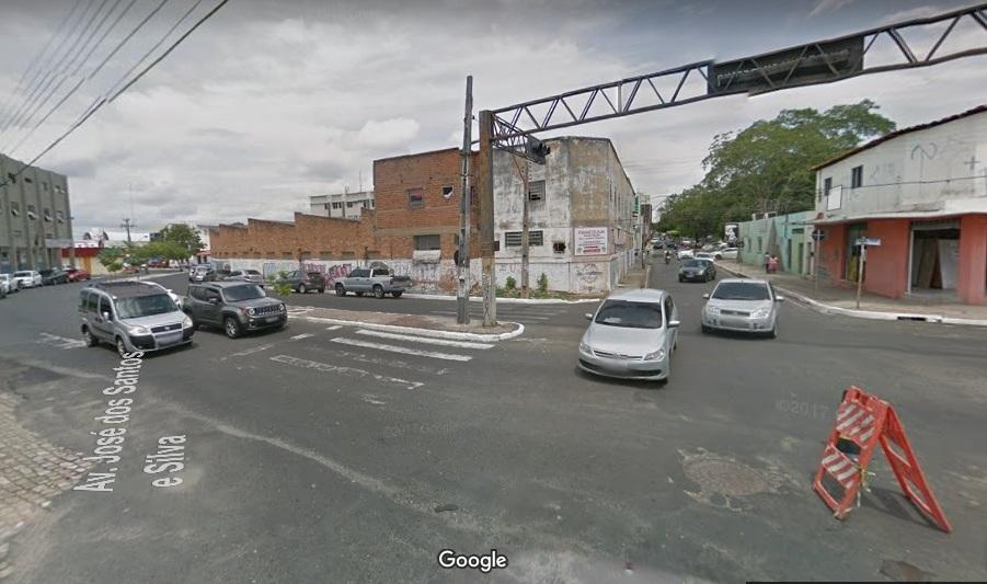Cruzamento da José dos Santos e Silva com Rui Barbosa. (Foto  Google) 1e704ad9ed