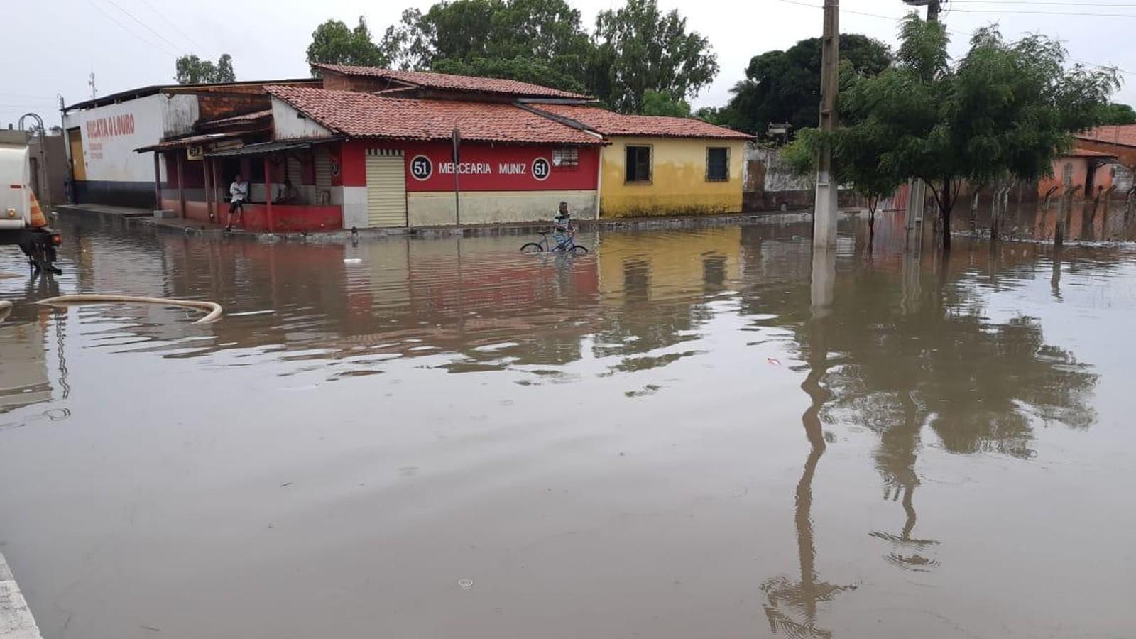 alagamento em Parnaíba - litoral do Piauí