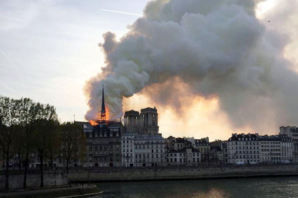 Incêndio Notre Dame