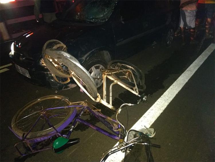 sete ciclistas são atropelados