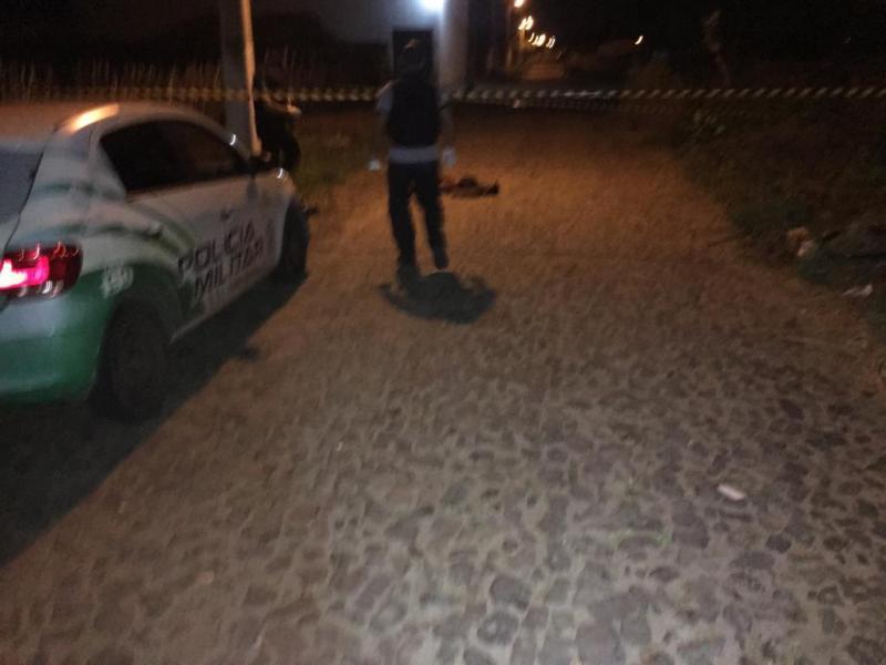 briga acaba com homem morto e mulher ferida no litoral do Piauí - Parnaíba